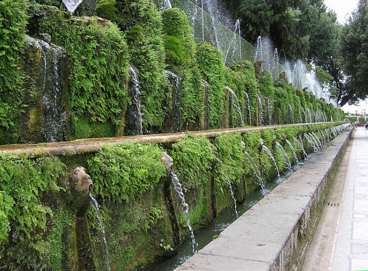 The Terrace of one hundred waterfalls - Villa d'Este