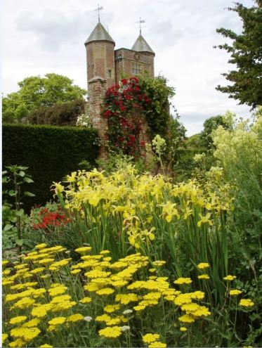 The Cottage Garden uses a palette of 'warm' colours